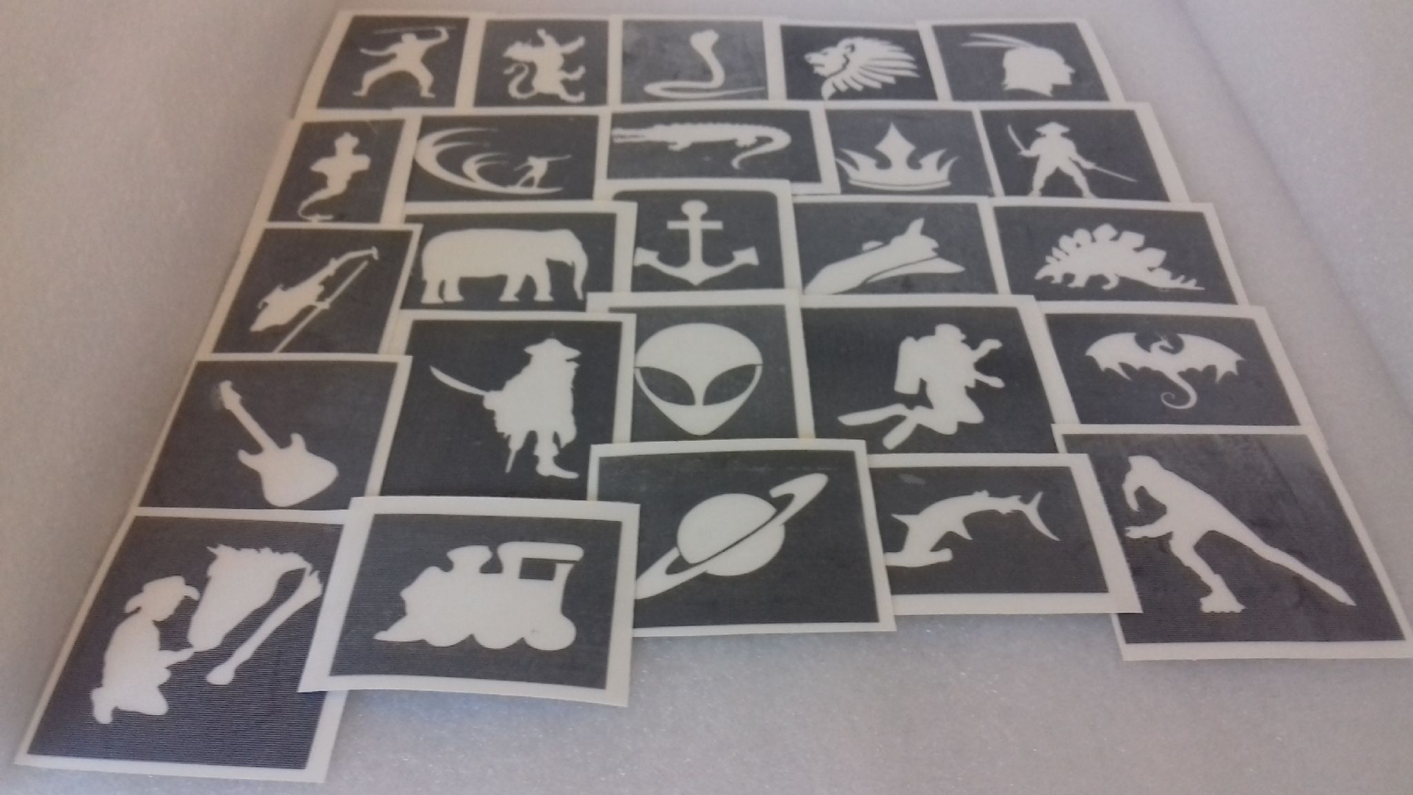 10 100 x boys themed stencils for glitter tattoos airbrush henna face painting fundraising